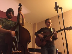 HeatherPiersonAcousticTrio_1of2